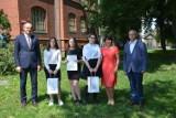 Nagrody burmistrza Chodzieży dla absolwentów szkół podstawowych [ZDJĘCIA]