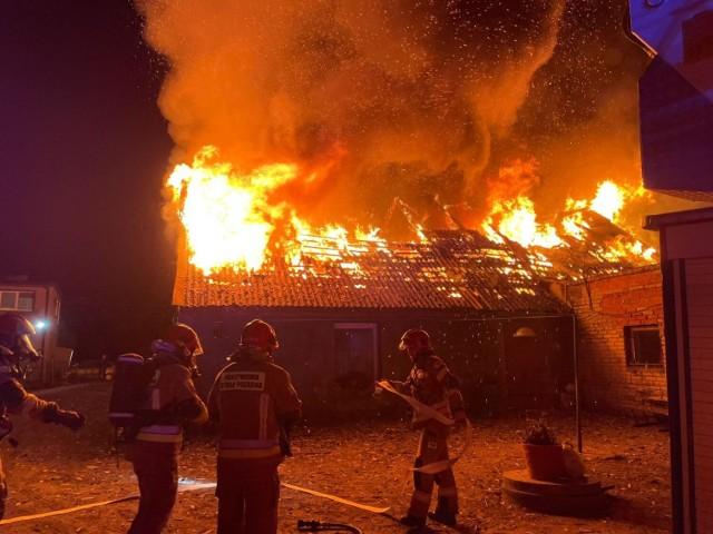 Pożar dachu domu w Sulinowie.