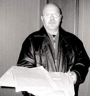 Zebrałem już blisko kilogram dokumentów i zaświadczeń, ale ciągle nie mam z czego żyć – mówi Zygmunt Szuflikowski.