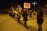 Protest kobiet w Częstochowie. Spacer z Kultem na Placu Biegańskiego zgromadził około stu osób
