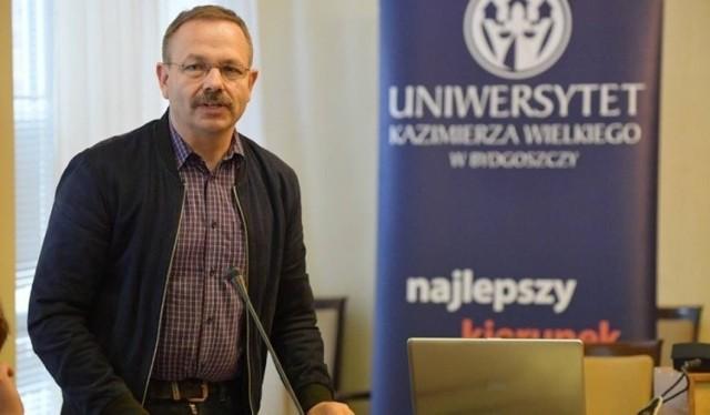 Prof. Roman Leppert zaznacza: - Nigdy nie miałem nigdy problemu, żeby o tym, co wydarzyło się w okresie grudzień 1985 - wiosna 1987, mówić swoim przełożonym.