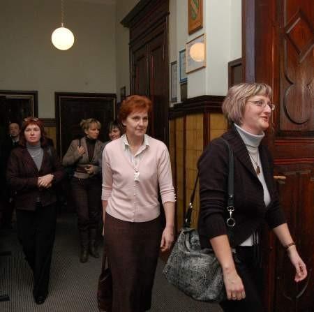Prowadzące prywatne przedszkola podczas jednej z czterech przerw w obradach Fot. Maria Sowisło