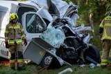 Makabra na drodze. Bus zderzył się z autobusem PKS Zielona Góra. Jedna osoba nie żyje, wielu rannych