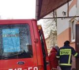 Strażacy z powiatu oleśnickiego dowożą mieszkańców na szczepienia (ZDJĘCIA)