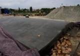 Skatepark przy ul. Rusałka nabiera kształtów. Miłośnicy ekstremalnych sportów skorzystają z niego jesienią