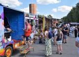 Kruszwica. Food trucki zjechały pod Mysią Wieżą. Pachnie frytkami, burito, gruzińską kuchnią... [zdjęcia]