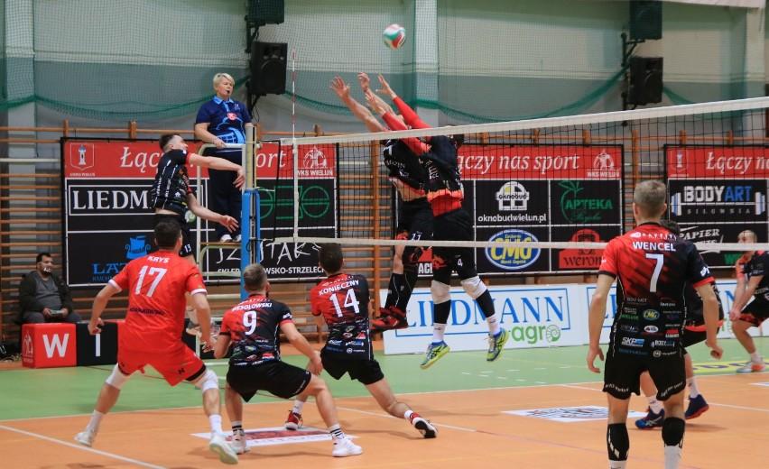 Druga liga siatkówki. WKS Wieluń pokonał u siebie Tubądzin Volley MOSiR Sieradz 3:1 ZDJĘCIA