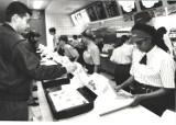 Tak wyglądał pierwszy McDonald's w Poznaniu! [ZDJĘCIA]
