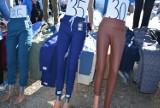 Ubrania na giełdzie samochodowej w Rzeszowie. Zobacz, jakie ciuchy kupisz na Załężu [ZDJĘCIA]