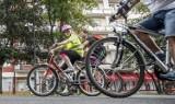 """Rowerzystów coraz więcej. I wypadków z ich udziałem też. Policyjna akcja """"Jednośladem bezpiecznie do celu"""""""