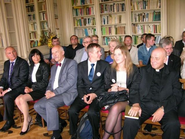 Elitarna Szkoła Liderów w Skierniewicach otworzyła w piątek, 29 sierpnia, rok akademicki. Szkoła, według zapowiedzi jej organizatorów, ma kształcić przyszłe elity miasta.