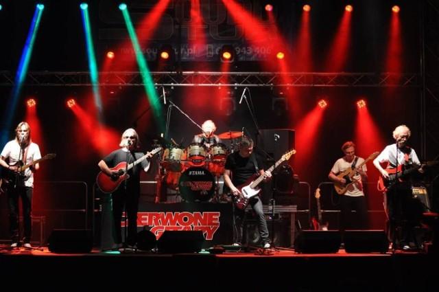 Czerwone Gitary grają od pół wieku i wciąż porywają publiczność swoich nieśmiertelnych przebojów