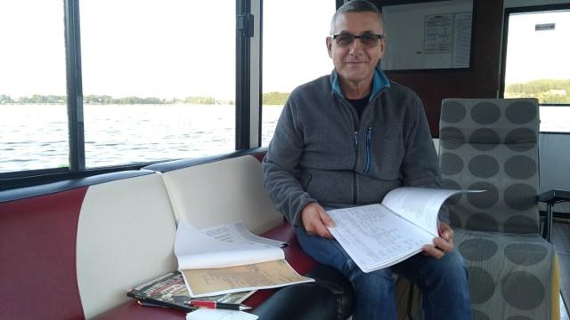 Zdzisław Strumnik skrupulatnie zbiera wszelkie dokumenty dotyczące historii swojej rodziny.