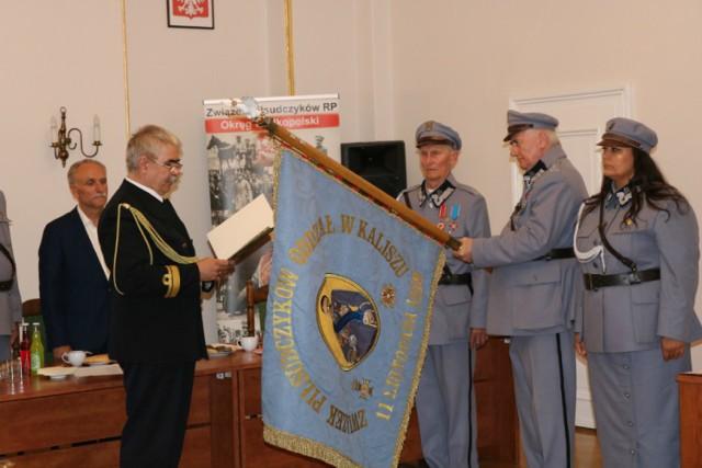 Starosta kaliski odznaczony Srebrnym Krzyżem Honorowym Związku Piłsudczyków RP