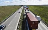 Ogromny korek na A4 pod Wrocławiem. Lepiej wybierzcie inną drogę!