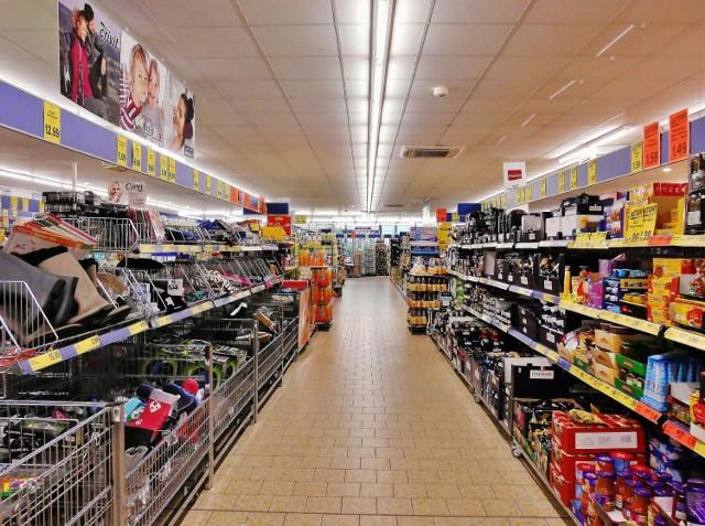 Gdzie najtaniej zrobić zakupy? Porównujemy najpopularniejsze sklepy. Kliknij w następne zdjęcia by sprawdzić ceny >>>>