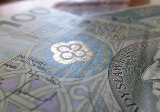 Bielsk Podlaski. Rozwiązał się wór z pieniędzmi na inwestycje. Będą nowe latarnie, piece i ławeczka