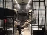 Nielegalni imigranci ukryci w ciężarówce. Policjanci z Pawłowic ujawnili nielegalne przekroczenie granicy polsko-czeskiej