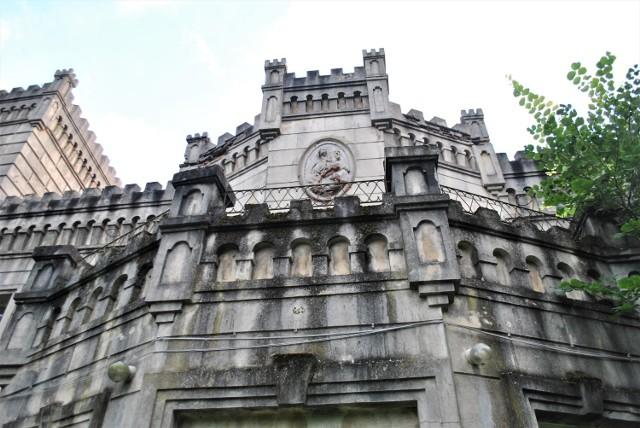 Neogotycki pałac Kurnatowskich w Gościeszynie