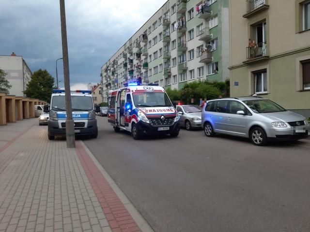 Świadkowie wezwali na miejsce karetkę pogotowia i policję