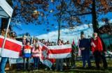 W bydgoskiej Alei Ossolińskich oznaczono Dąb dla Wolności Białorusi [zdjęcia]
