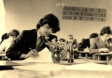 Tak maturzyści zdawali egzamin dojrzałości w Krośnie Odrzańskim... 50 lat temu! Zobaczcie jak wyglądały matury dawniej w naszym mieście!