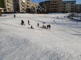 Dokąd zabrać dzieci na sanki i zabawy w śniegu w Suwałkach? [Zdjęcia]