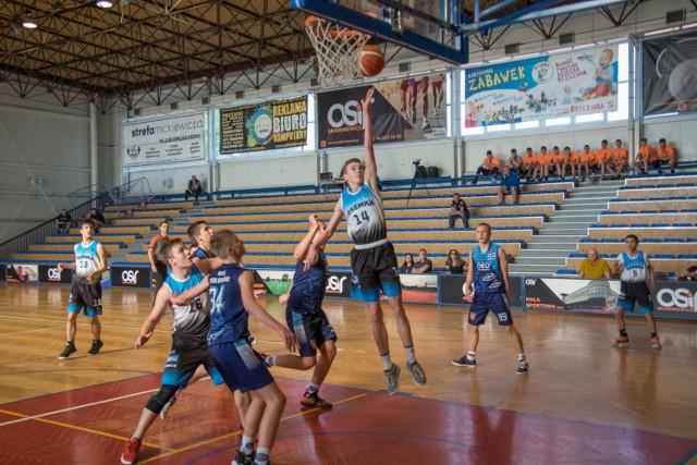 Trwają koszykarskie Młodzieżowe Mistrzostwa Polski w Skierniewicach