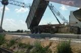 Autostrada A1 w Piotrkowie zablokowana. Ciężarówka uderzyła w bramownicę ViaToll