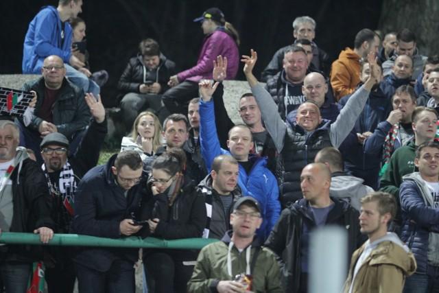 Zagłębie Sosnowiec - Wisła Kraków 4:3. Frekwencja na Stadionie Ludowym dopisała. Gości też wspomagała liczna grupa kibiców