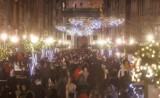 W Gdańsku czuć klimat świąt. W weekend pięknie przystrojonymi ulicami Długą i Długi Targ spacerowały tłumy mieszkańcow