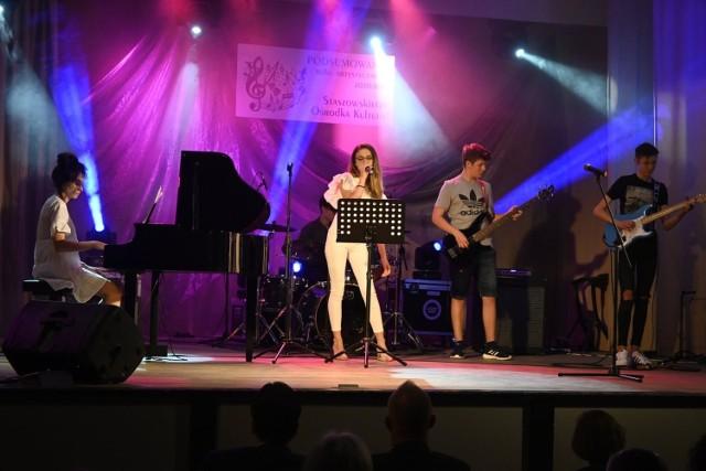 Wychowankowie Staszowskiego Ośrodka Kultury swoimi występami porwali publiczność