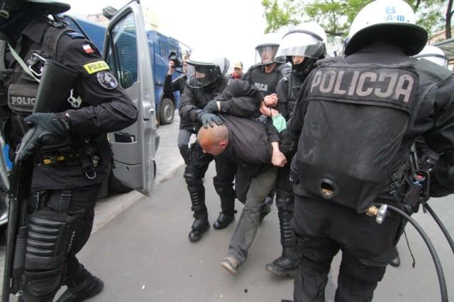 Kliknij w następne zdjęcie, i sprawdź do jakich przestępstw dochodziło najczęściej w poszczególnych miastach woj. śląskiego>>>
