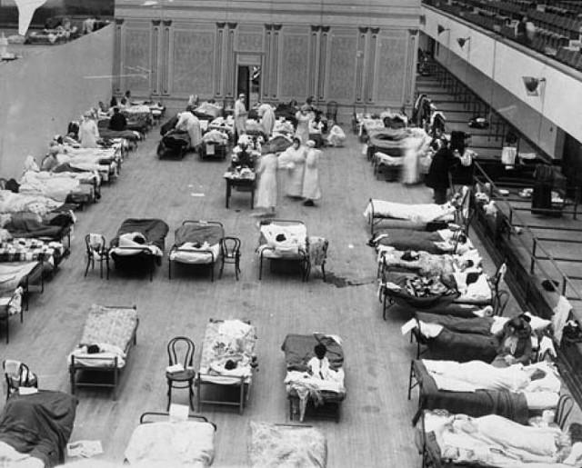Przepełniona pacjentami sala