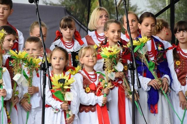 Dożynki Województwa Śląskiego w Jeleśni 2021  Zobacz kolejne zdjęcia. Przesuwaj zdjęcia w prawo - naciśnij strzałkę lub przycisk NASTĘPNE