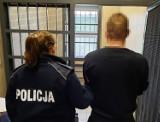Kryminalni z Namysłowa zatrzymali 34-latka podejrzanego o podpalenie domu. Grozi mu do 10 lat więzienia