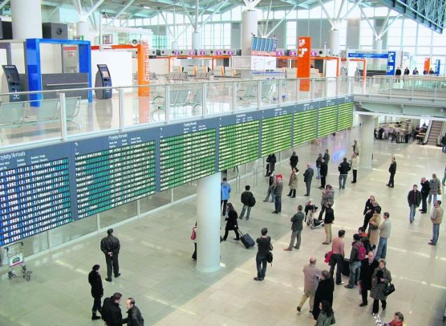 Dzięki absolwentom ASP lotnisko zamieniło się w wystawę