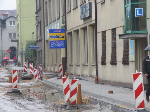 Ulica Sienkiewicza w centrum Wadowic. W jednej z kamienic zameldowany był Przemysław P.