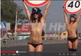 Striptizerki zastępują fotoradary i okazują piersi kierowcom