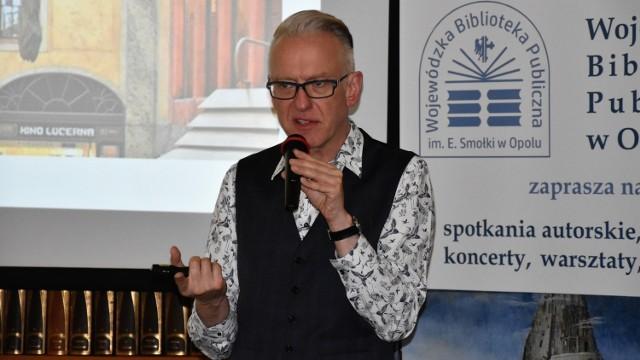 Spotkania z Mariuszem Szczygłem zawsze przyciagają do WBP tłumy opolan. Na zdjęciu: Noc Kultury  2019.