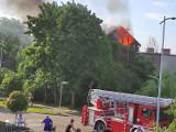 Pożar domu przy Korzeniowskiego w Pruszczu Gdańskim. 7 zastępów straży walczyło z ogniem |ZDJĘCIA