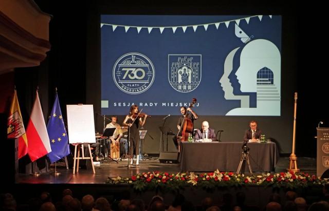 Uroczysta sesja Rady Miasta Grudziądza w obchody 730. rocznicy nadania praw miejskich