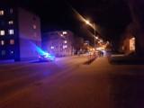 Chodzież: groźny wypadek w poniedziałkowy wieczór. Auto wylądowało na barierkach.
