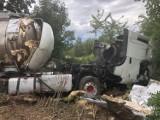Przerażające zdjęcia z tragicznego wypadku pod Krosnem Odrzańskim. BMW zderzyło się z cysterną. Zginęły dwie osoby