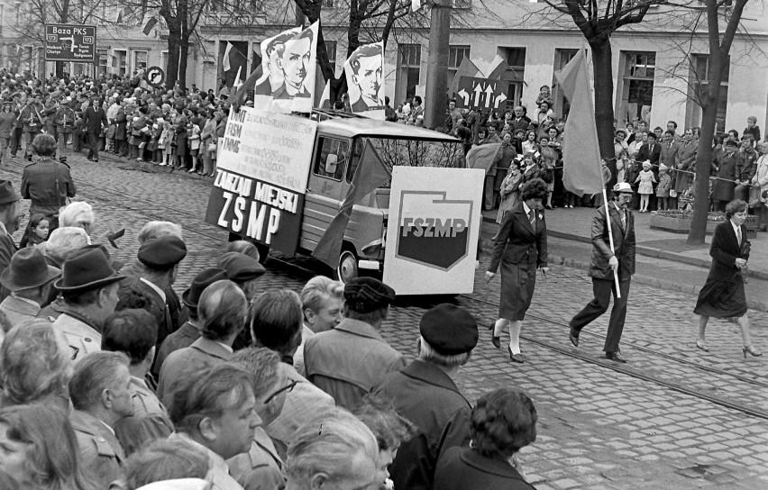Tak wyglądały obchody 1 Maja, Święta Pracy, w Grudziądzu 50 lat temu. Zobacz archiwalne zdjęcia