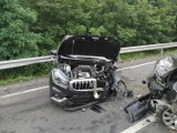 Czołowe zderzenie dwóch aut na drodze wojewódzkiej nr 156 koło Zwierzyna