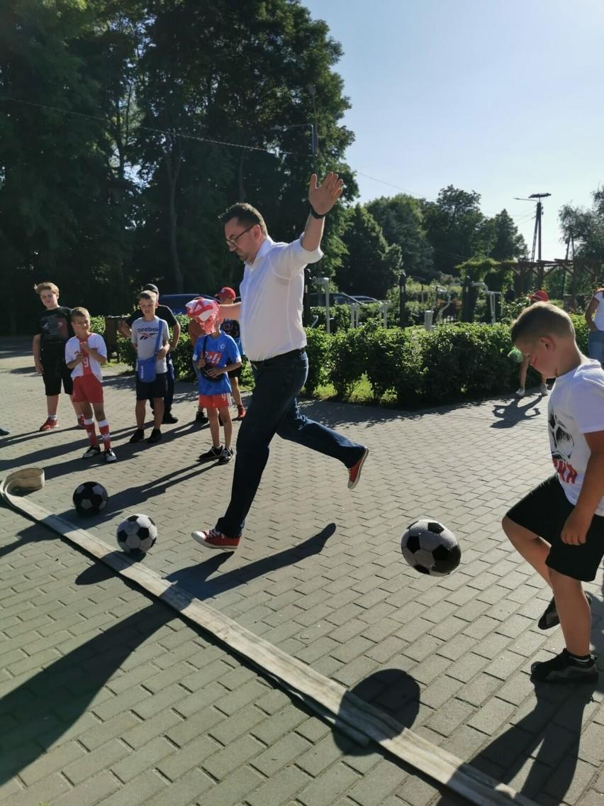 Miłoradz. Mieszkańcy podczas festynu przygotowali się do meczu Polski. Potem atmosferę popsuli piłkarze