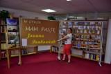 Gminna Biblioteka Publiczna w Dobrzycy konsekwentnie promuje miejscowych hobbystów. Tym razem mieszkańcy mogli podziwiać piękne fotografie