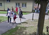 Inowrocławianie przyłapani przez kamerę Google Street View mieszkańcy osiedla Nowego w Inowrocławiu. Zobaczcie zdjęcia