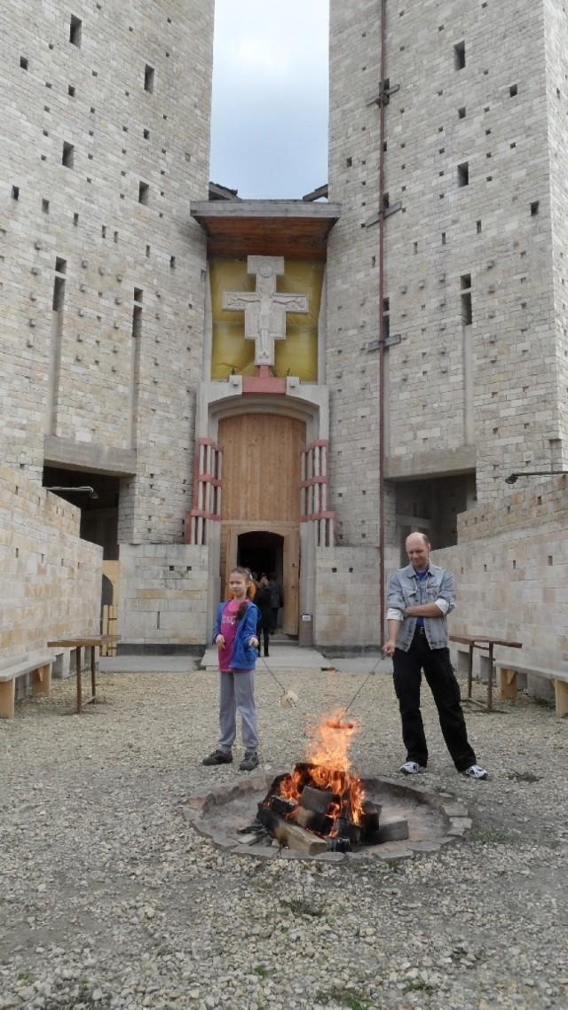 Budujący się kościół świętych Franciszka i Klary w Tychach